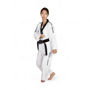 TA 20056 WT DOBOK HI TECH | Dobok από εξαιρετικής ποιότητας ύφασμα το οποίο επιτρέπει στο σώμα να αναπνέει. Ειδικό ύφασμα (CLIMA).
